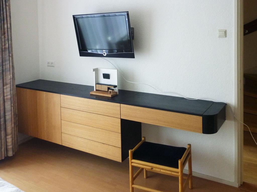 In overleg kan er vooraf een maquette van het meubel worden gemaakt